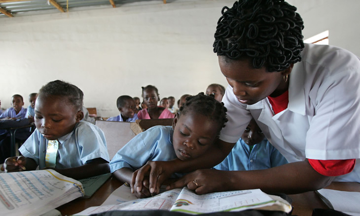 Campanha pretende ajudar professores do ensino primário que vivem dias difíceis