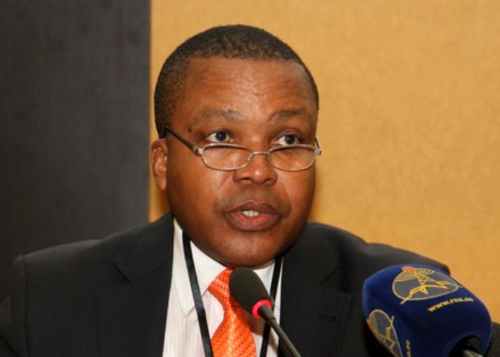 Diplomata defende maior atenção para a juventude