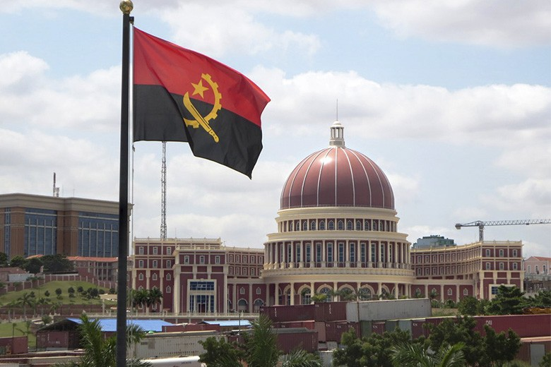 """Crescimento económico de Angola só deverá """"voltar ao normal"""" em 2024"""