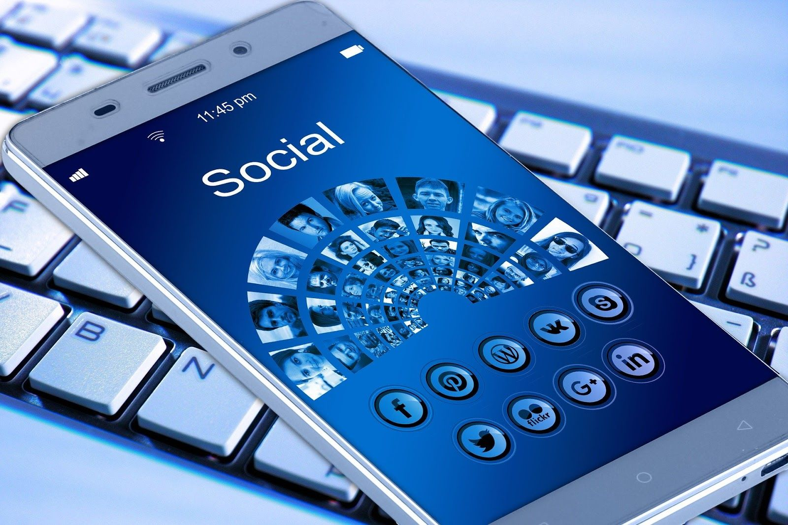Mobile social media marketing