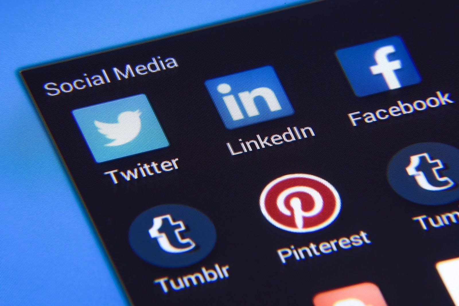 Different social media marketing platforms