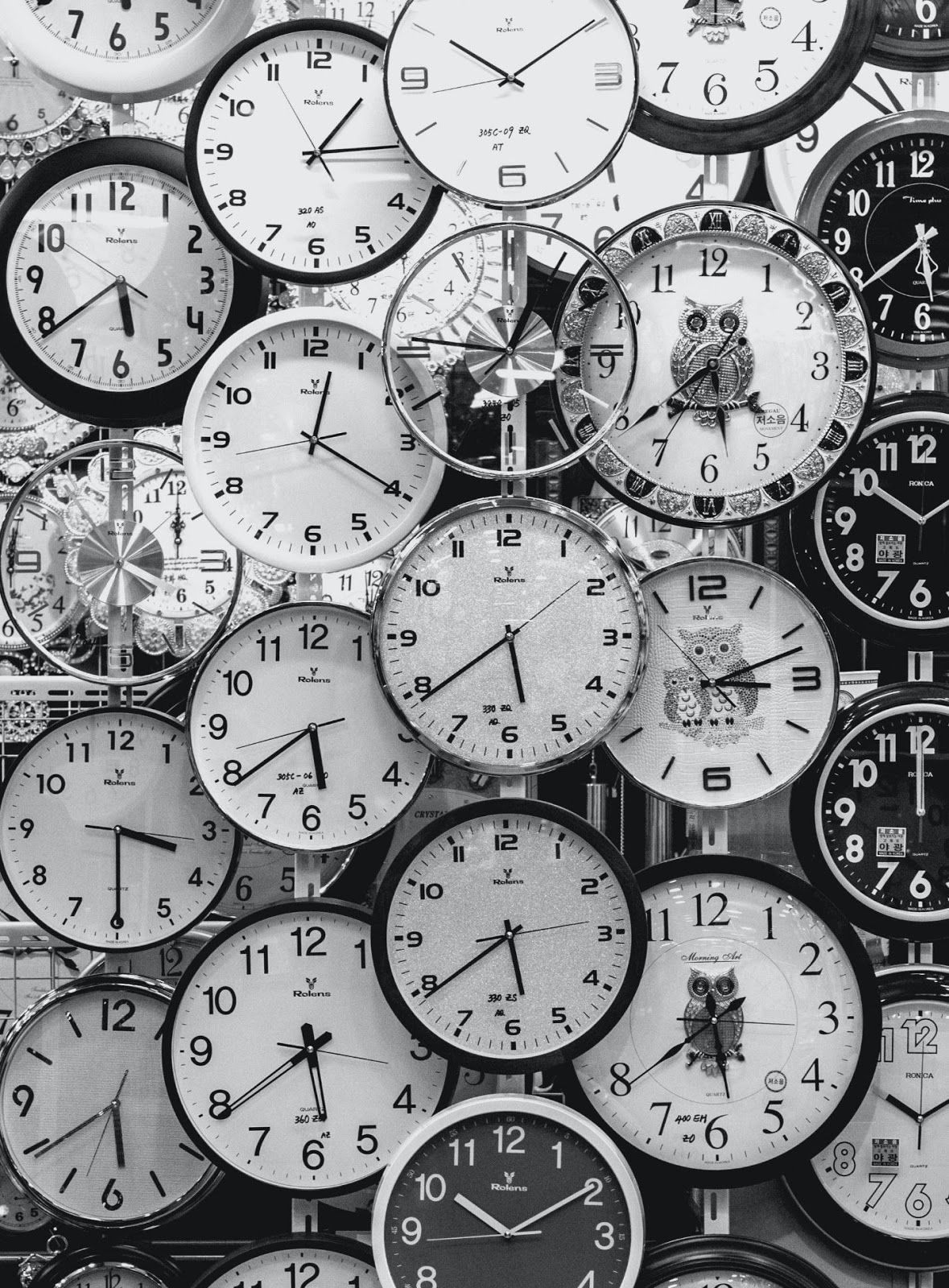 clocks to demonstrate Asynchronous timing