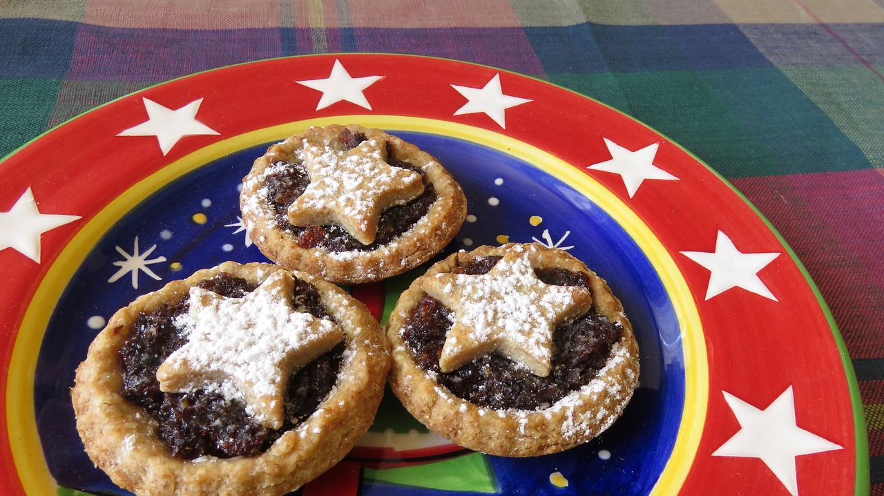 A plate of amish cookies mince meat
