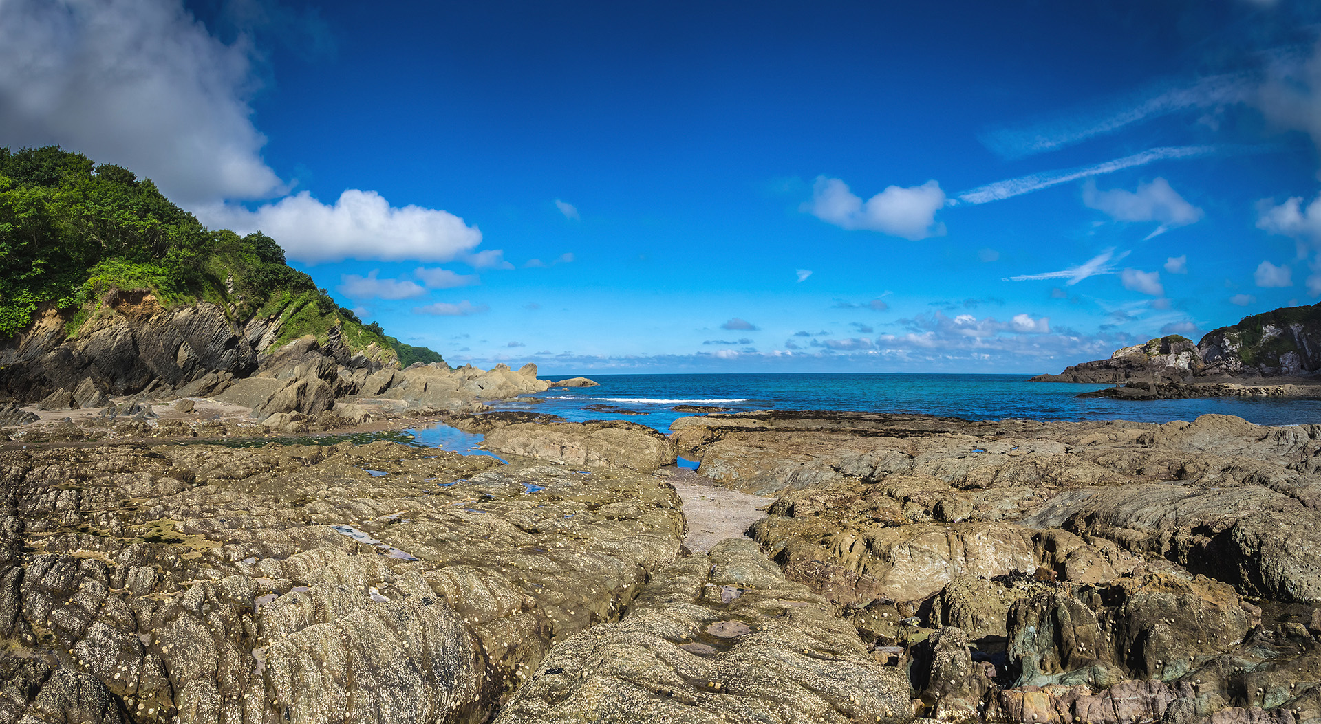 Combe martin beach Lee Bay cottages