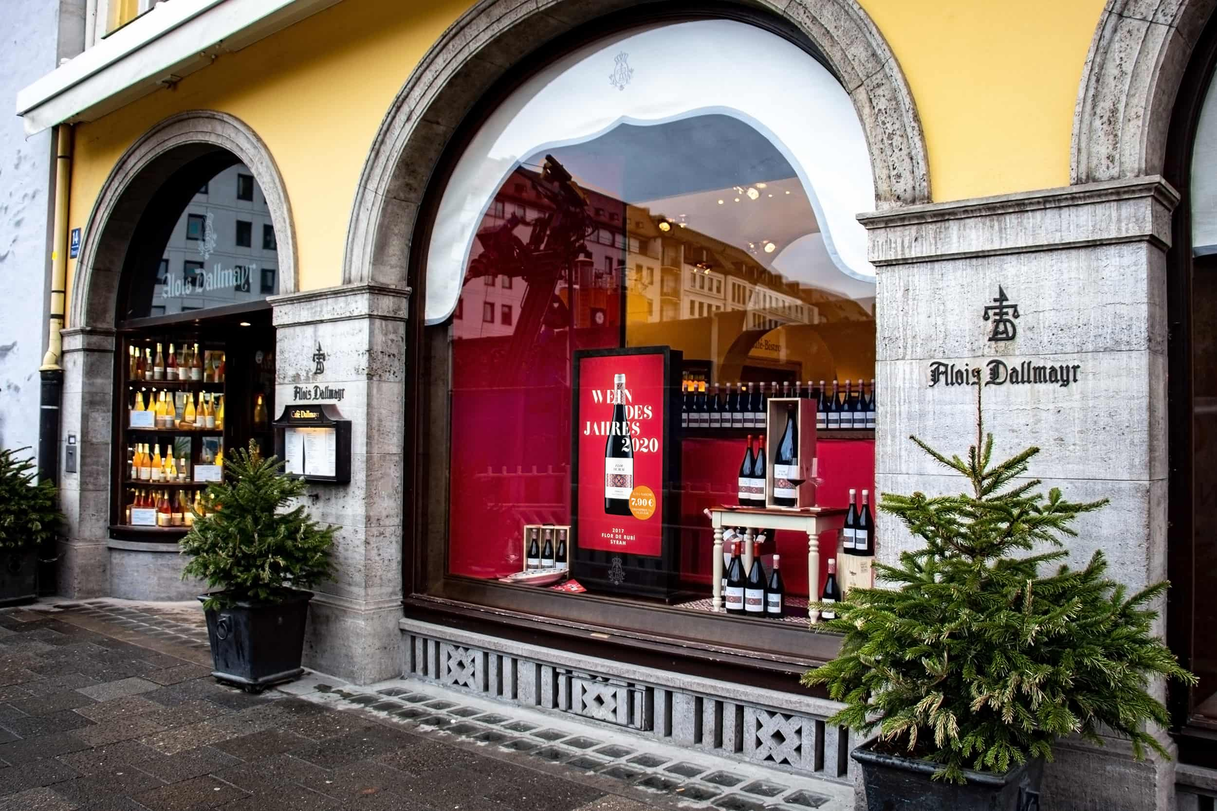 Digitaler Schaufenster Bildschirm bei Dallmayr in München