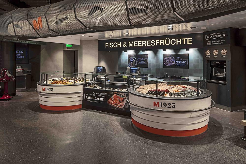 Direkt beim Betreten des neuen Ladens, trifft man auf das Herzstück des neuen Migros Neuwiesen. Einen Marktplatz, der...