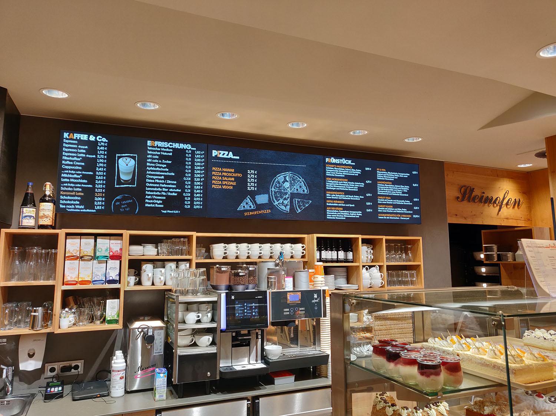 Bäcker Schmidt aus Heideck setzt auf unsere Bildschirmsysteme. Mit Vor-Ort-Betreuung durch unseren Partner LAK.