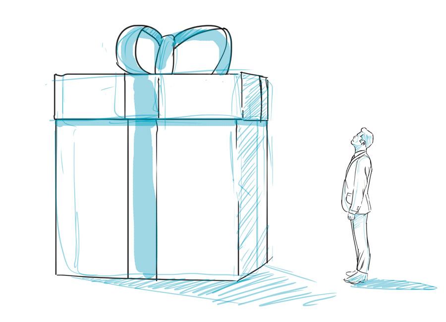 surpreenda o cliente. Na imagem, um homem está diante de uma embalagem de presente muito maior que ele mesmo.