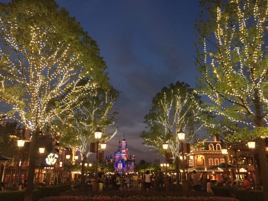 SallyCorp | AAE 2016 Shanghai Disneyland