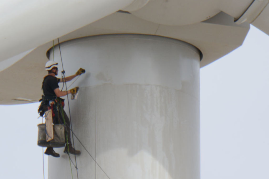 GreenClean™ Wind Turbine Tower Cleaning