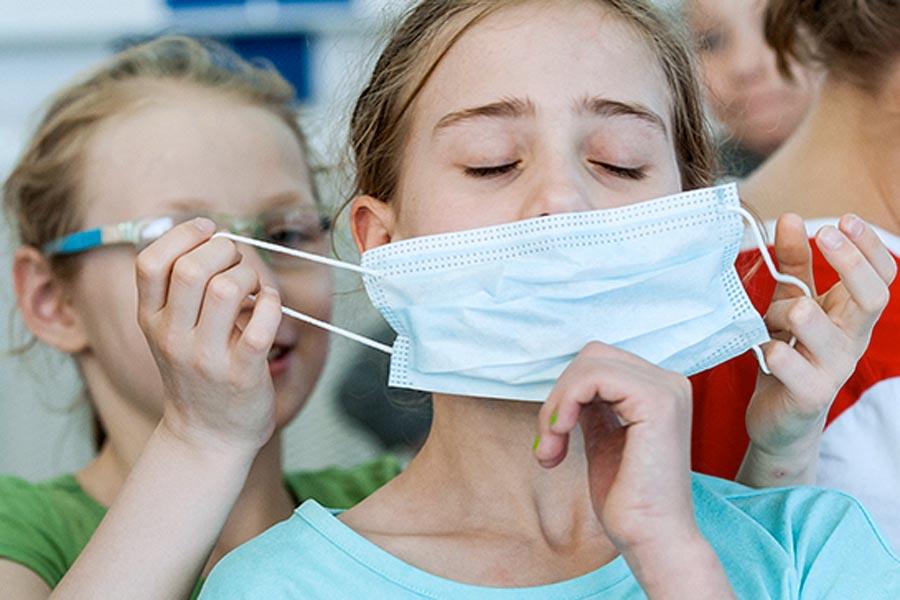 Защитные маски в борьбе с коронавирусом