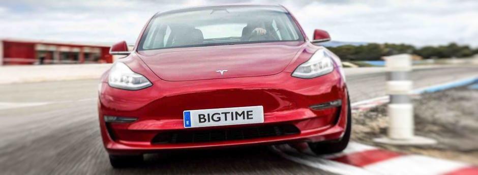 Voita Tesla Model 3 pelaamalla Big Time Gamingin pelejä