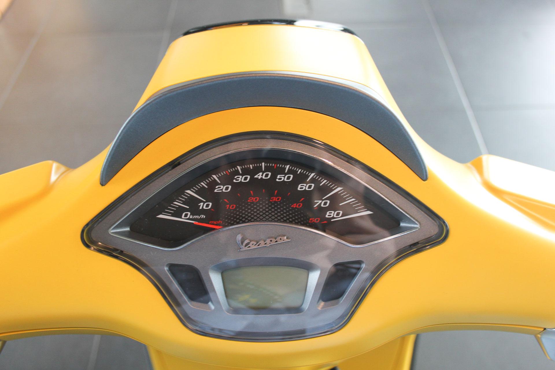 Vespa geel Kilometerteller