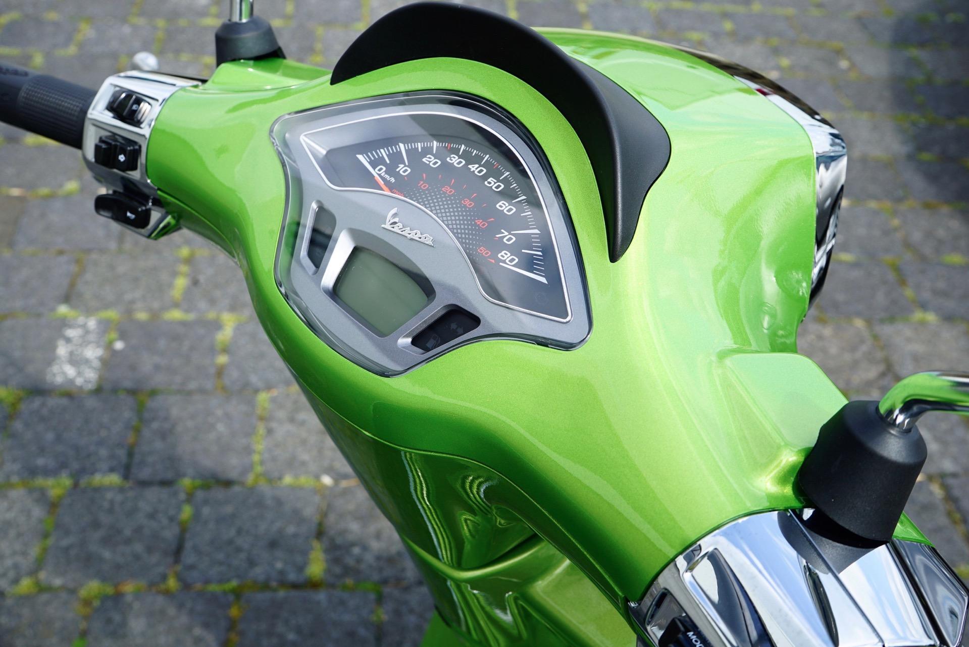 Vespa Groen Voetenruimte Strips