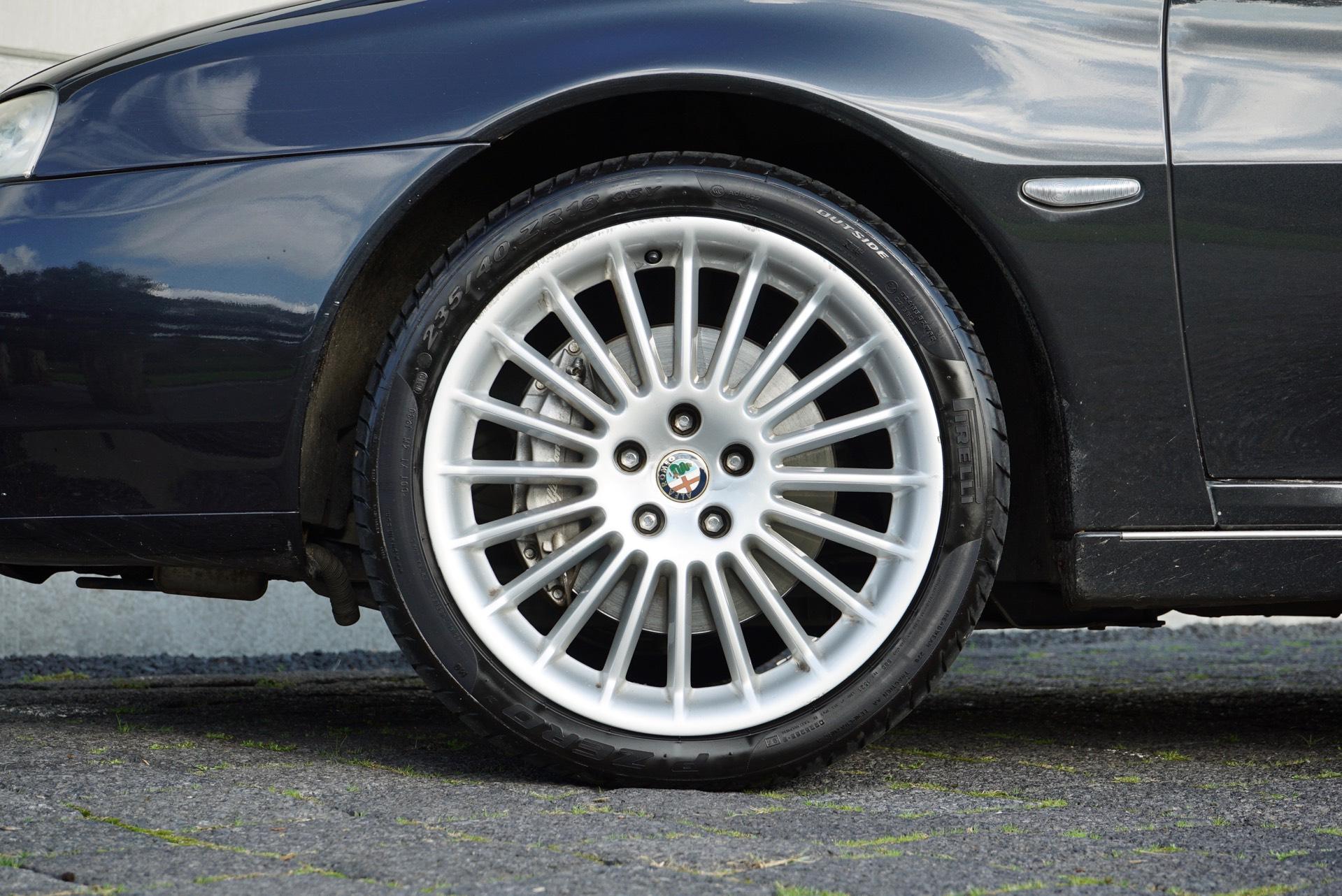 ALFA ROMEO 166 3.0 V6 DISTINCTIVE SPORTRONIC AUT