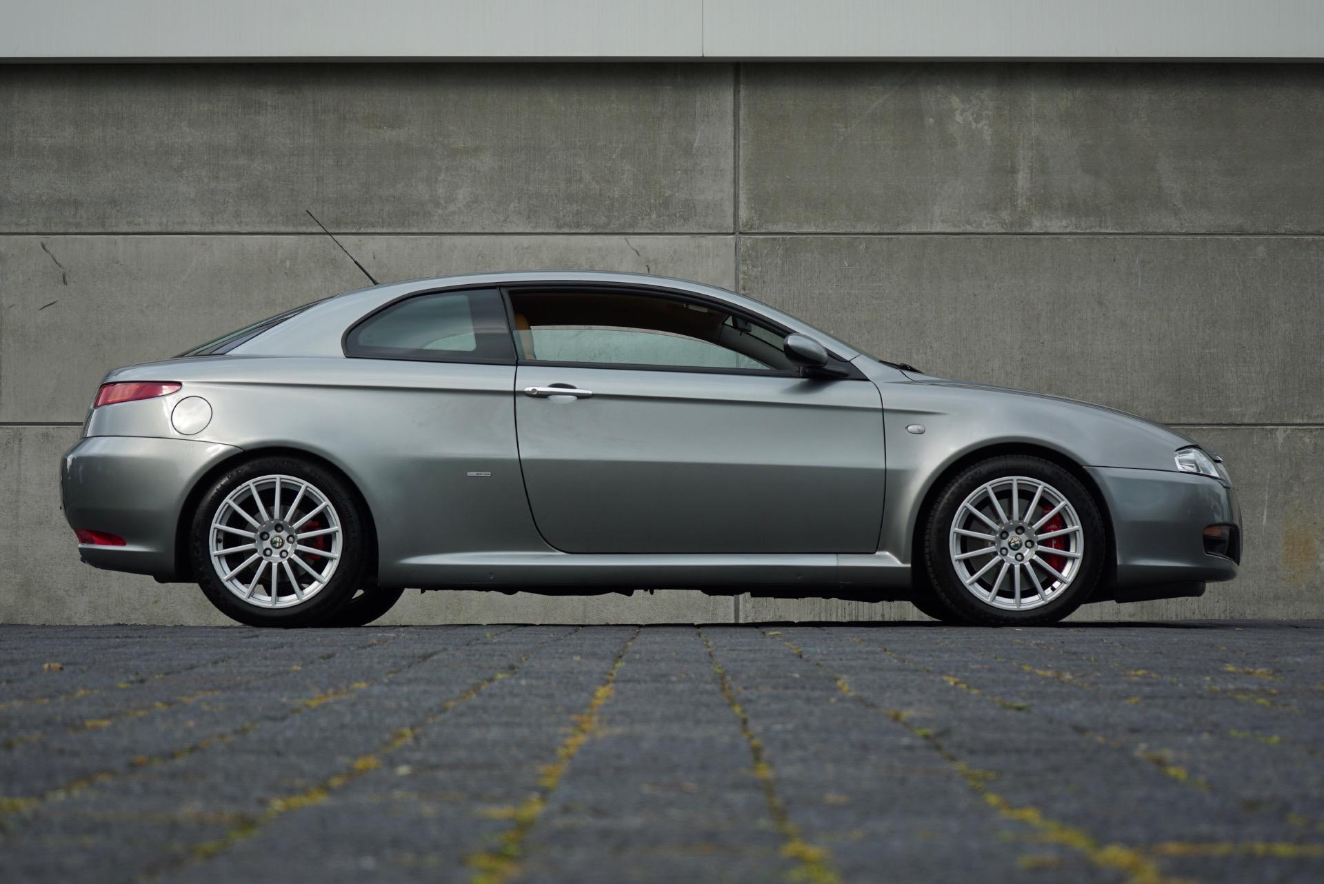 ALFA ROMEO GT 3.2 V6 24V DITSTINCTIVE