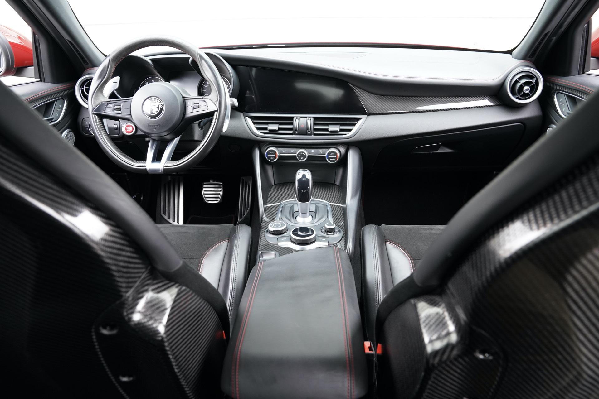 ALFA GIULIA QUADRIFOGLIO 2.9 V6 ROSSO COMP. 10.000KM