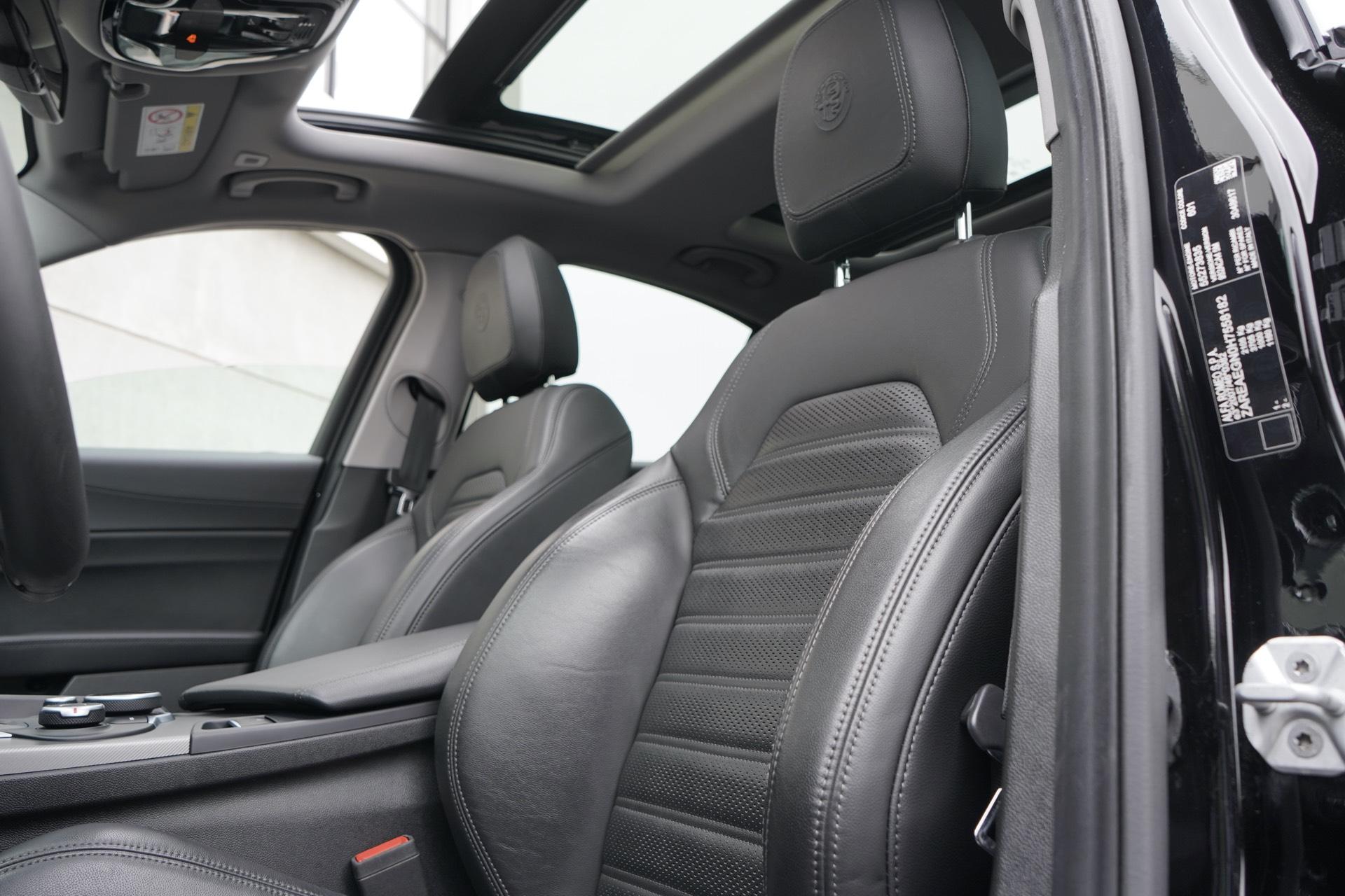 ALFA GIULIA 2.0 TURBO VELOCE 280 Q4 AWD
