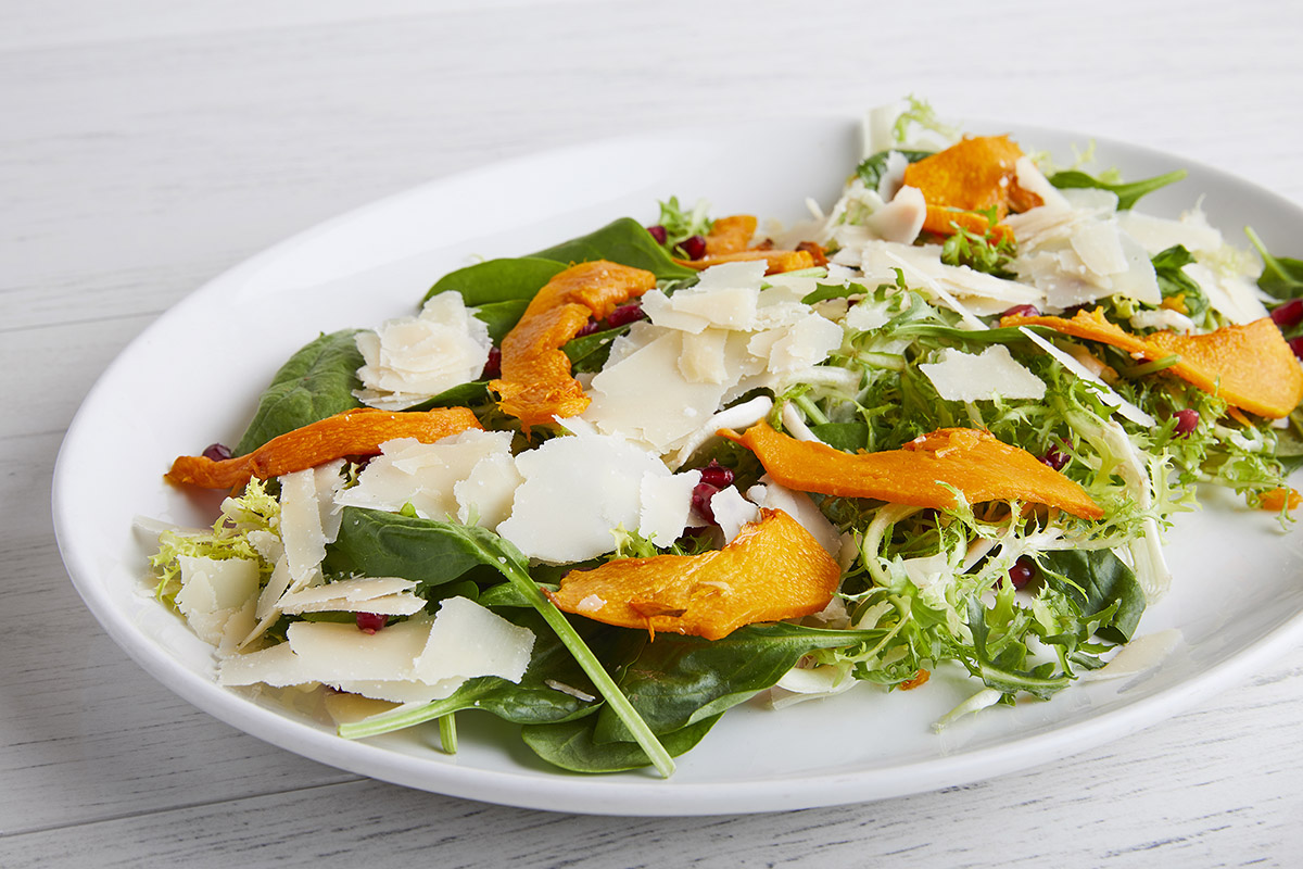 Salad with Provolone del Monaco DOP and Pumpkin