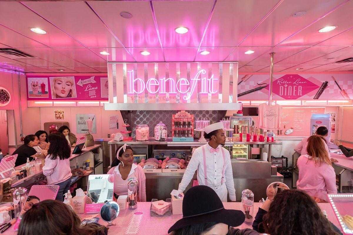 Benefit Cosmetics Roller Liner Diner