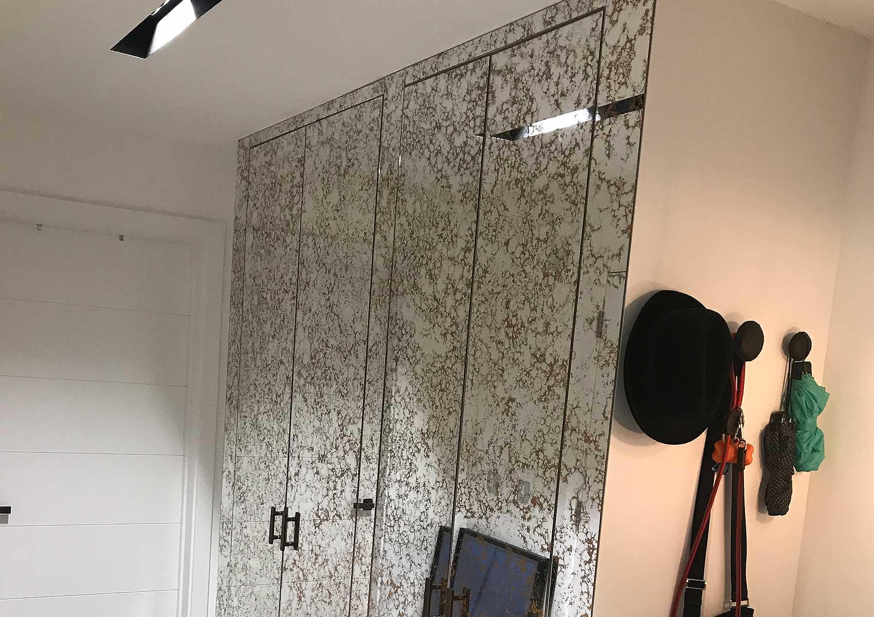 Assisi wardrobe panelling