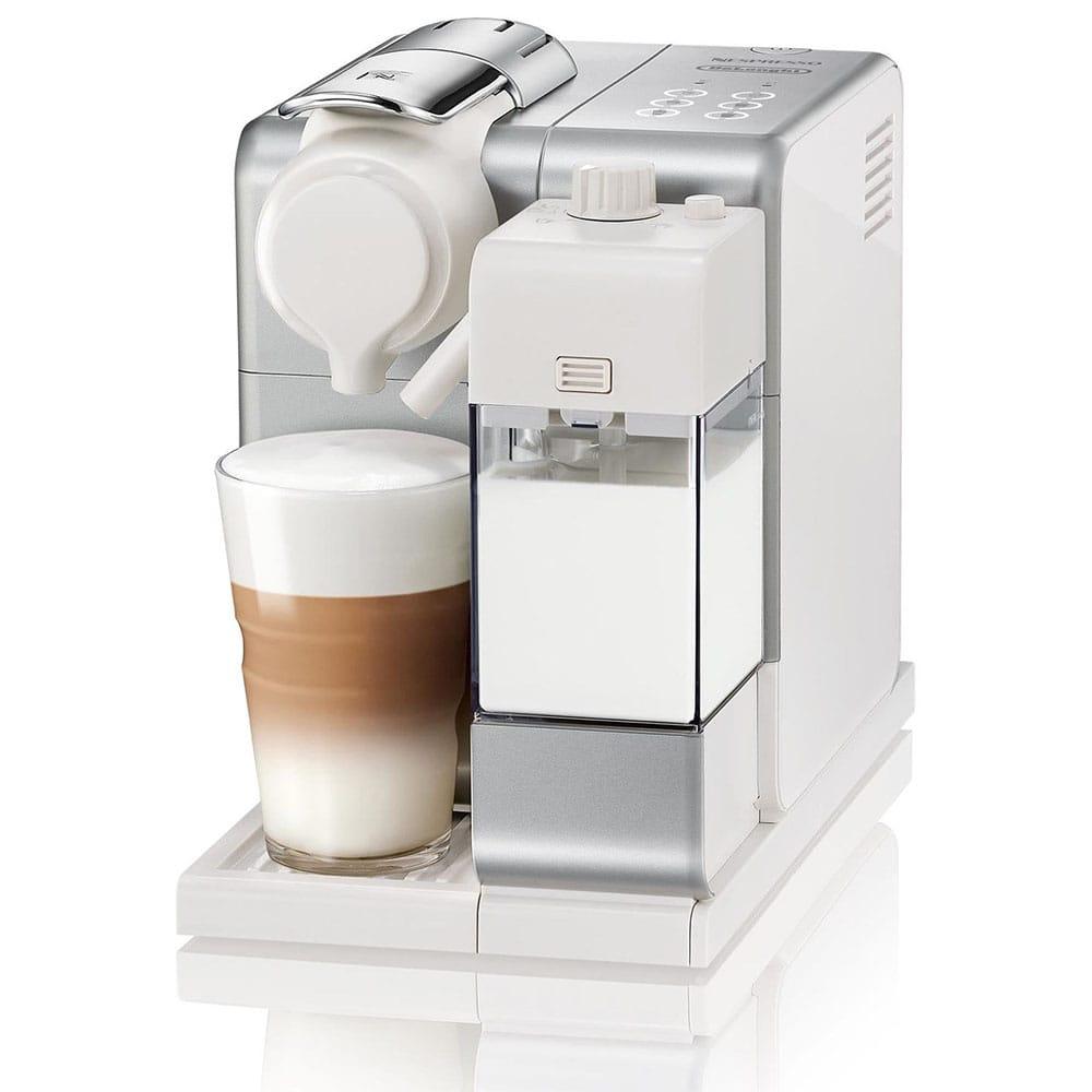 Фото от производителя капсульной кофемашины Delonghi Nespresso Lattissima Touch Animation EN560.S цвет серебристый
