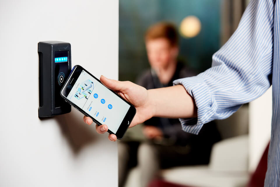 Could-based access control by Kisi