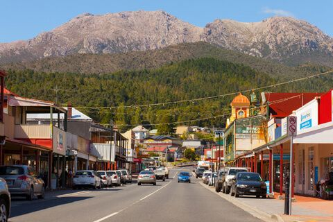 Orr Street, Queenstown, with Mount Owen in the background