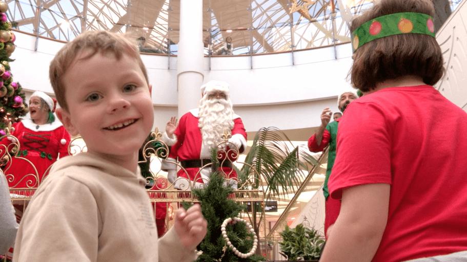 Santa Arrives at North City - Andrew Strugnell