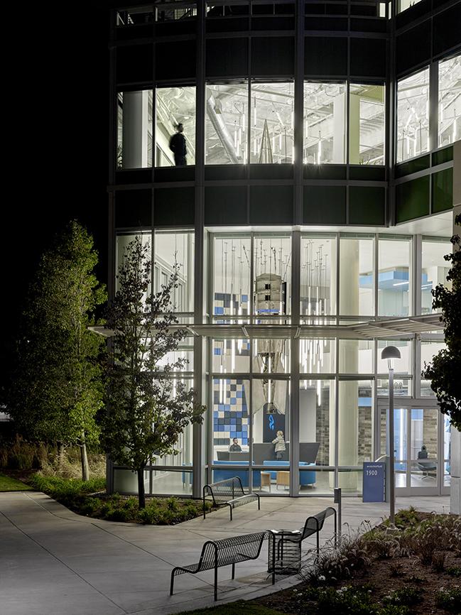 Rocket Fuel Headquarters by Quezada Architecture (Fred Quezada, Cecilia Quezada, Ed Tingley)