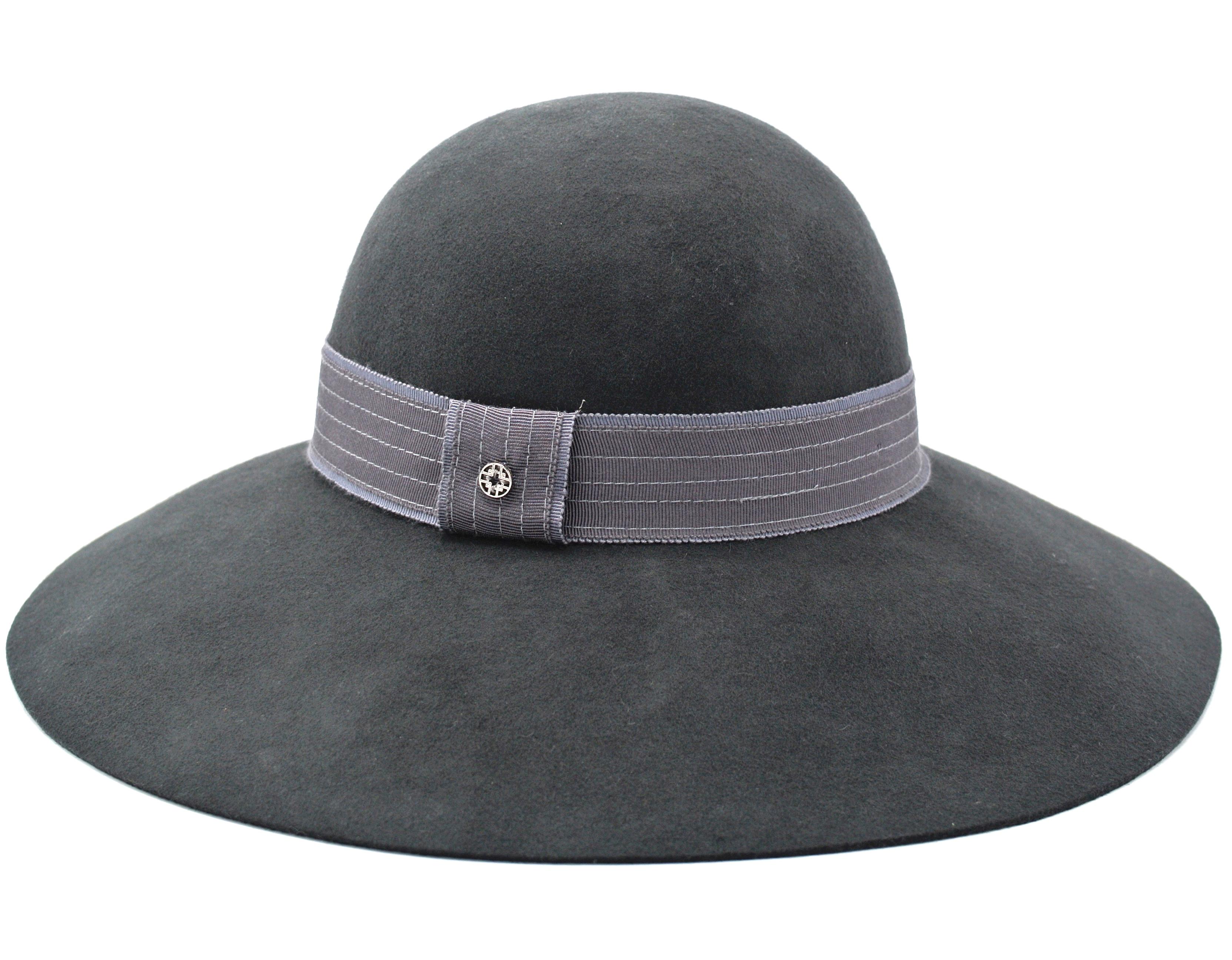 Loevenich Slokhatt Grey