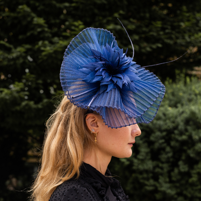Mc Burn Emma B - Water Lily Fascinator