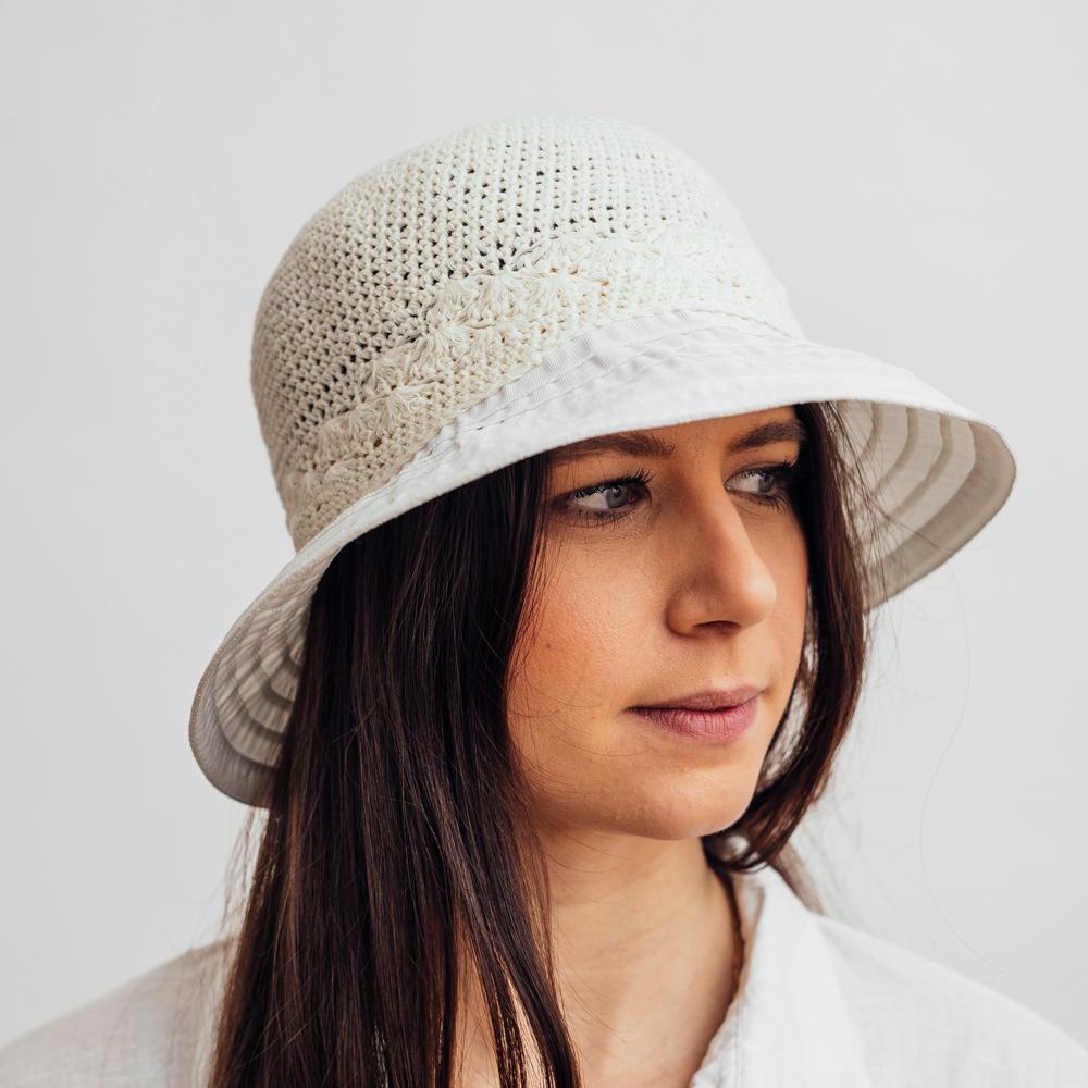 Mc Burn Cloche Hat White