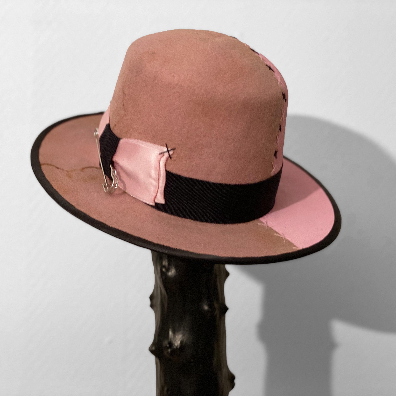 Robin Paulie Hat Grim Wool Pink