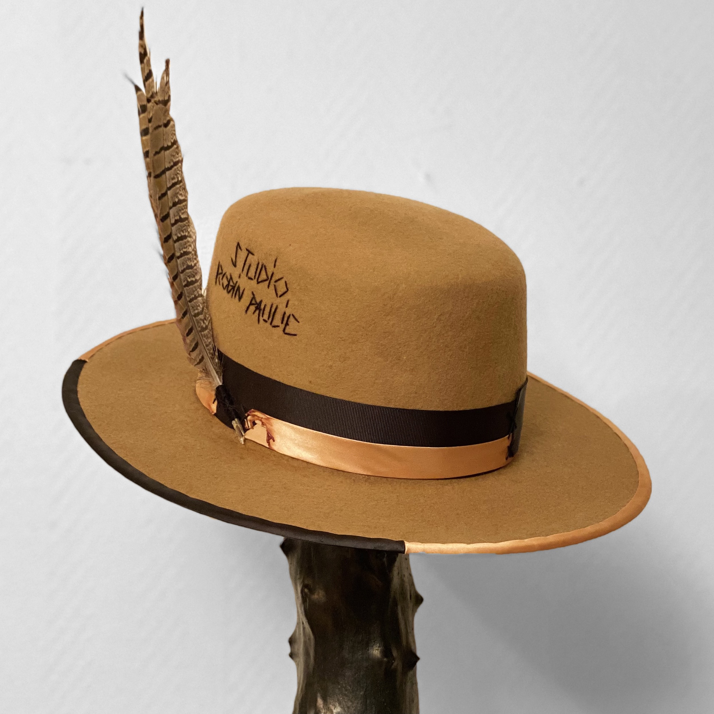 Robin Paulie Hat Gorm Wool Caramel