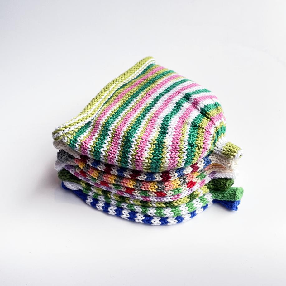 Handstickade Barnmössor Randig - Flera färgval