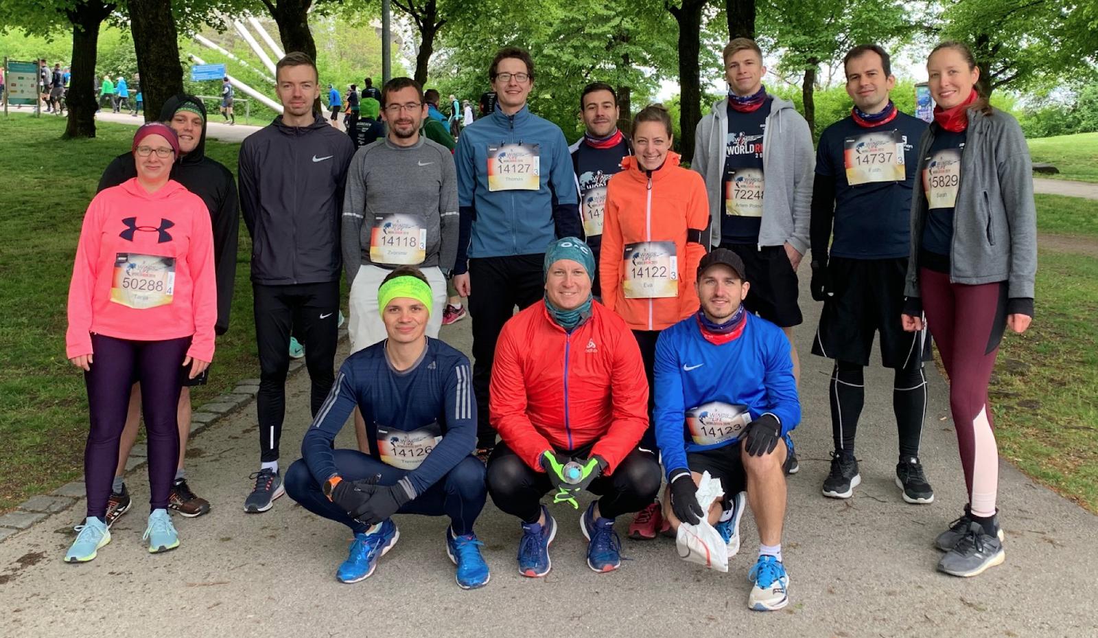Das Team Comsysto Reply kurz vor dem Start zum Wings for Life World Run 2019