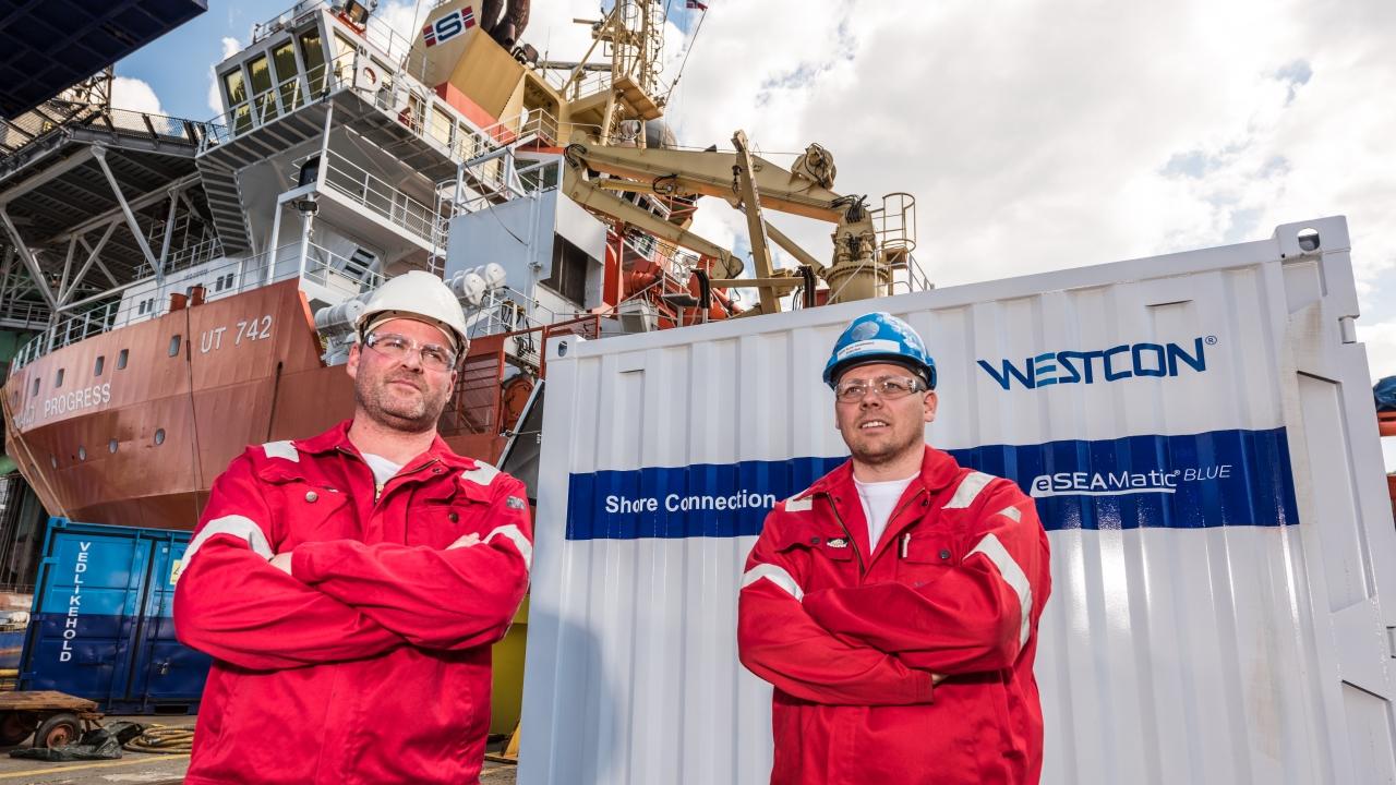 Bilde av daglig leder Gunvald A. Mortvedt og Rune Heddeland i Westcon Power & Automation.