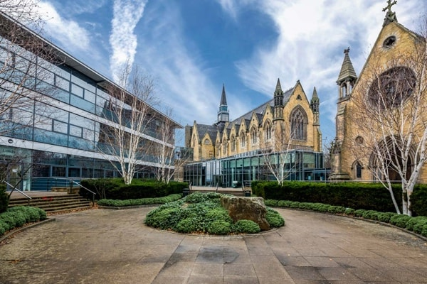 most affordable mba programme in London - Leeds University