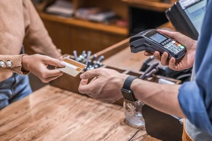 Are store credit cards worth it?