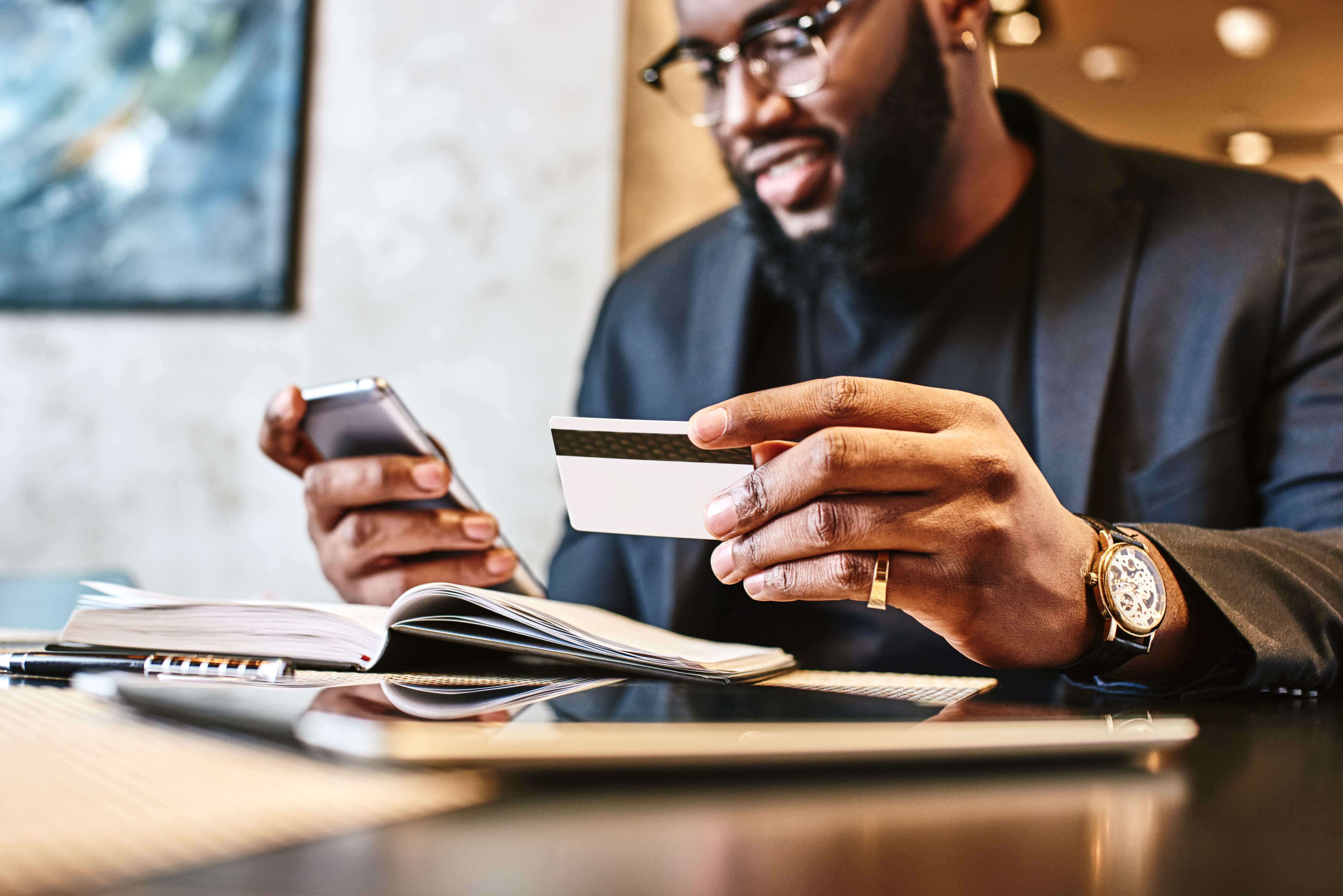 How do credit card rewards work in the U.S.?