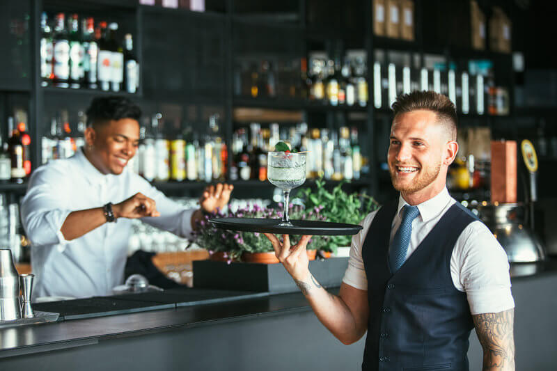 A guide to tipping in the United States: how much to give and to whom