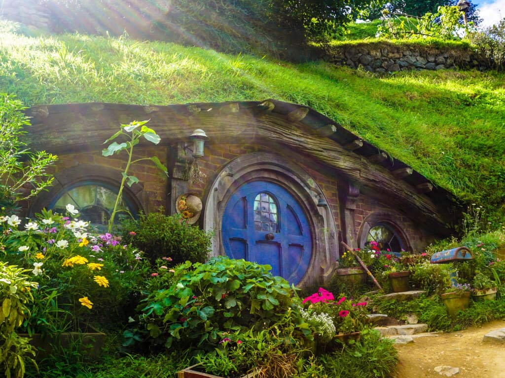 new Zealand hobbit home