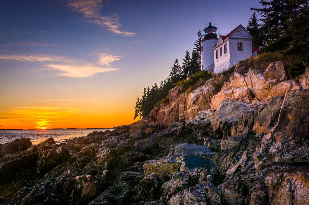 lighthouse at acadia national park in Maine