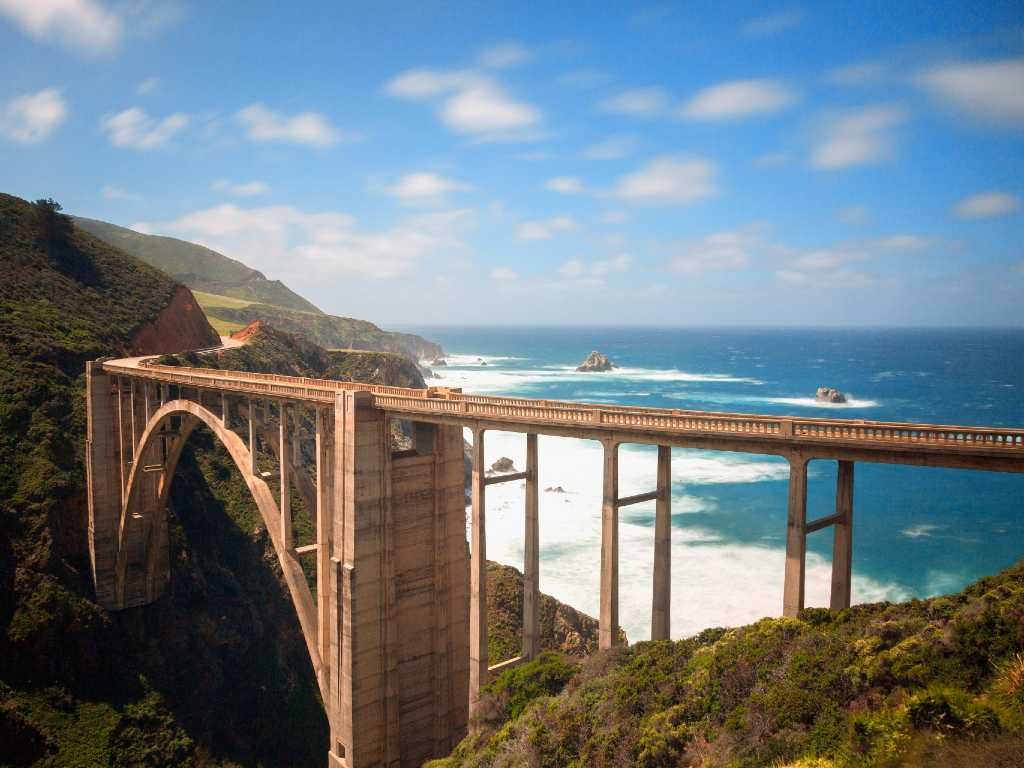 Bixby bridge over the Pacific Coast Highway