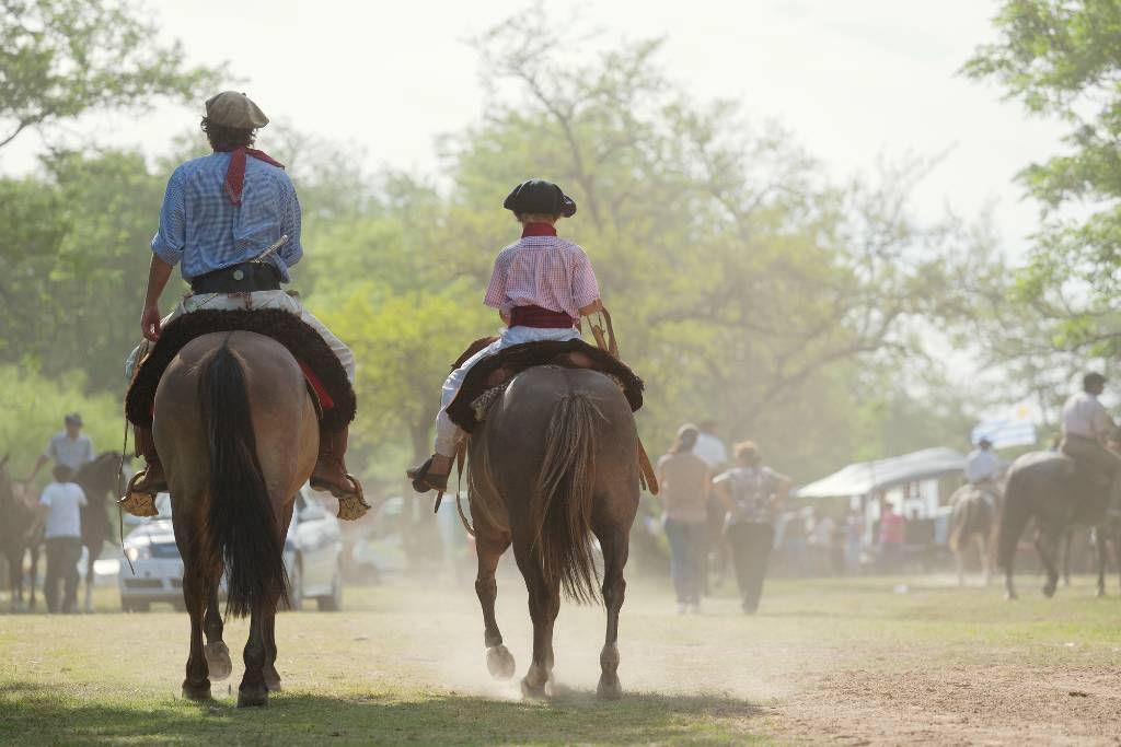 guachos on horseback.