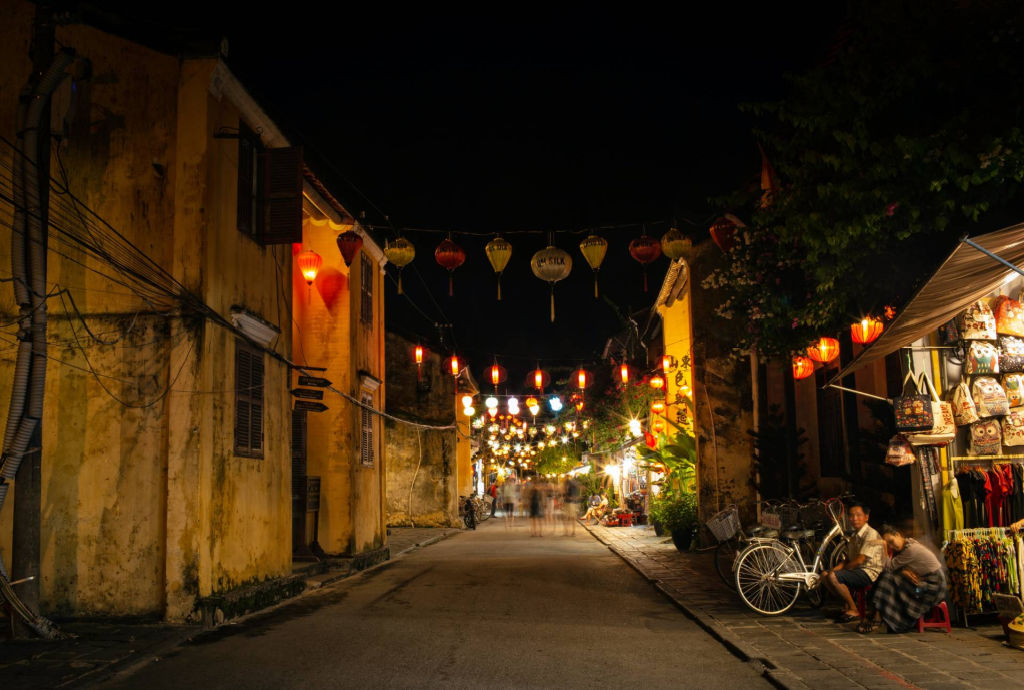 lanterns on a dark Hoi An street.