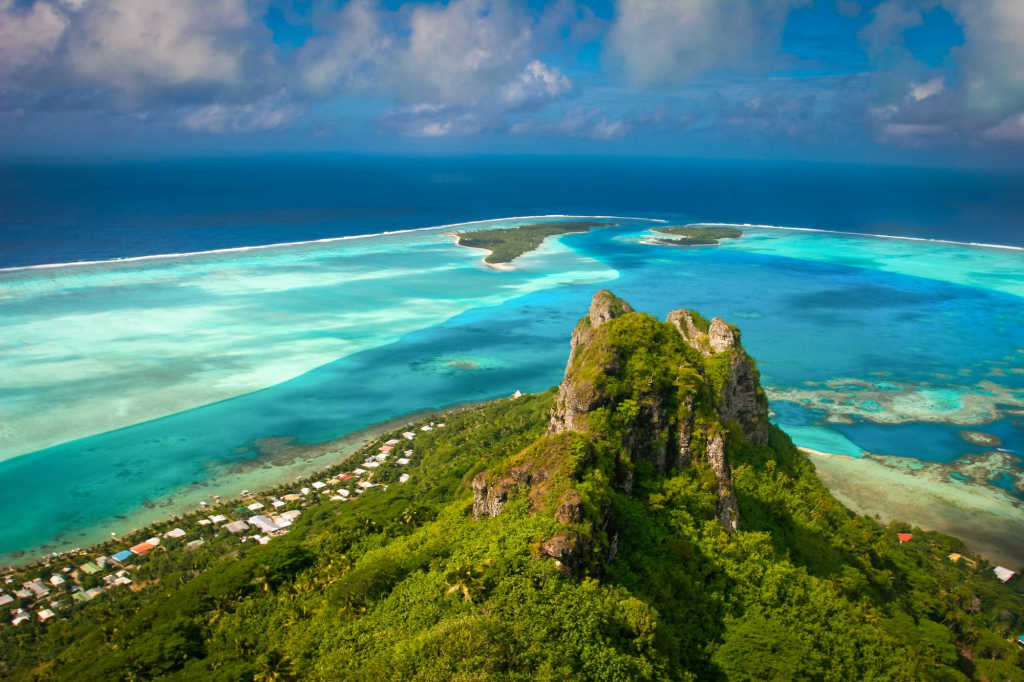 atolls and reefs in French Polynesia