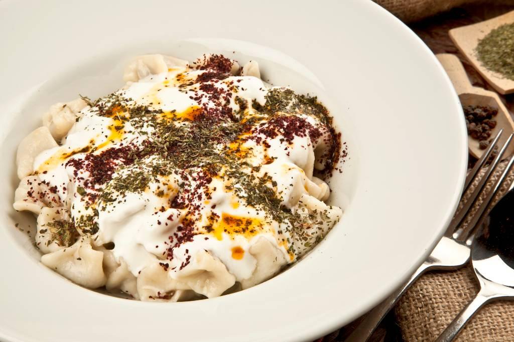 bowl of manti, Turkish pasta.
