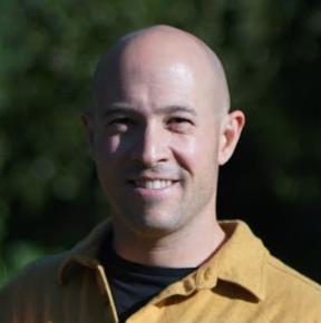 Aaron Lee Headshot